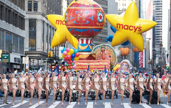 http://www.newyork.com/articles/wp-content/uploads/2014/11/macys-thanksgiving-day-parade_650.jpg