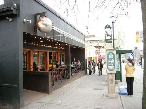 800px-Seattle_-_U._Dist._-_Solstice_Cafe_01.jpg
